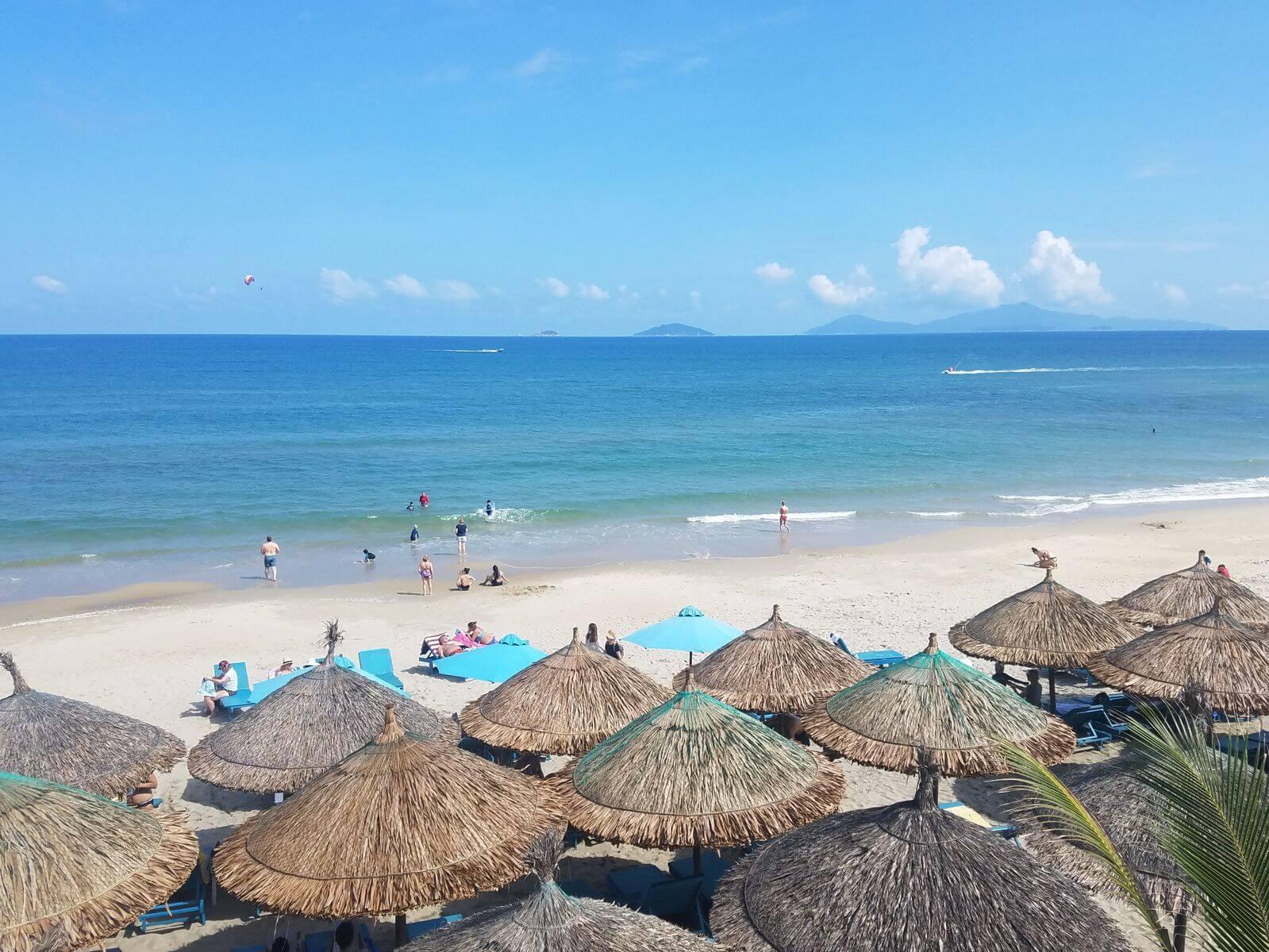 шириной откатных пляжи дананга фото туристов здесь